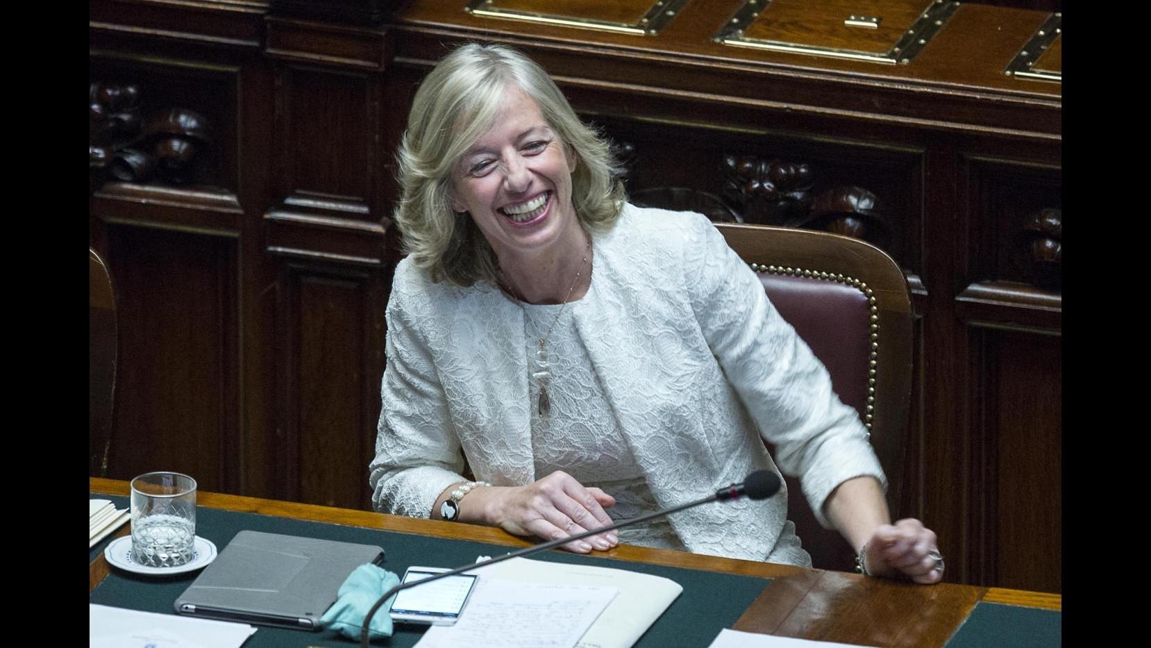Scuola, Giannini firma decreto su aggiornamento professionale docenti