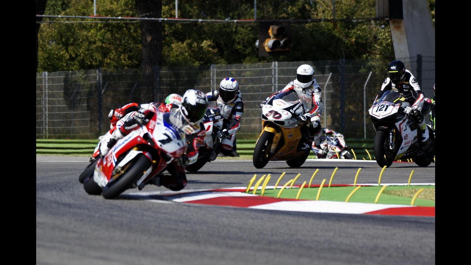Superbike, Spagna: Sykes conquista la quinta superpole stagionale