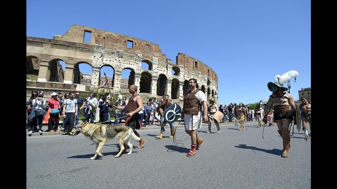 Colosseo, Cgil-Cisl-Uil: Sbloccati i fondi per i salari accessori