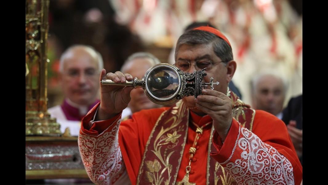 Napoli, sciolto il sangue del martire: si ripete il miracolo di San Gennaro