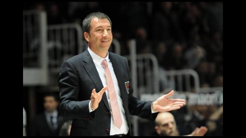 Basket, ufficiale il divorzio tra Olimpia Milano e coach Banchi