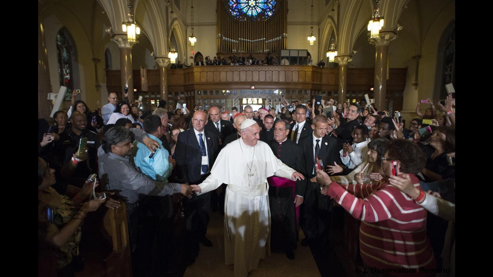 Papa Francesco apre il Sinodo: Non è Parlamento dove c'è compromesso