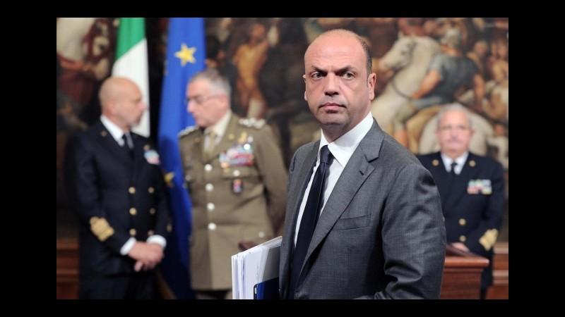 Roma, Alfano contro Marino: Si vergogni, ha usato slogan da tempi bui