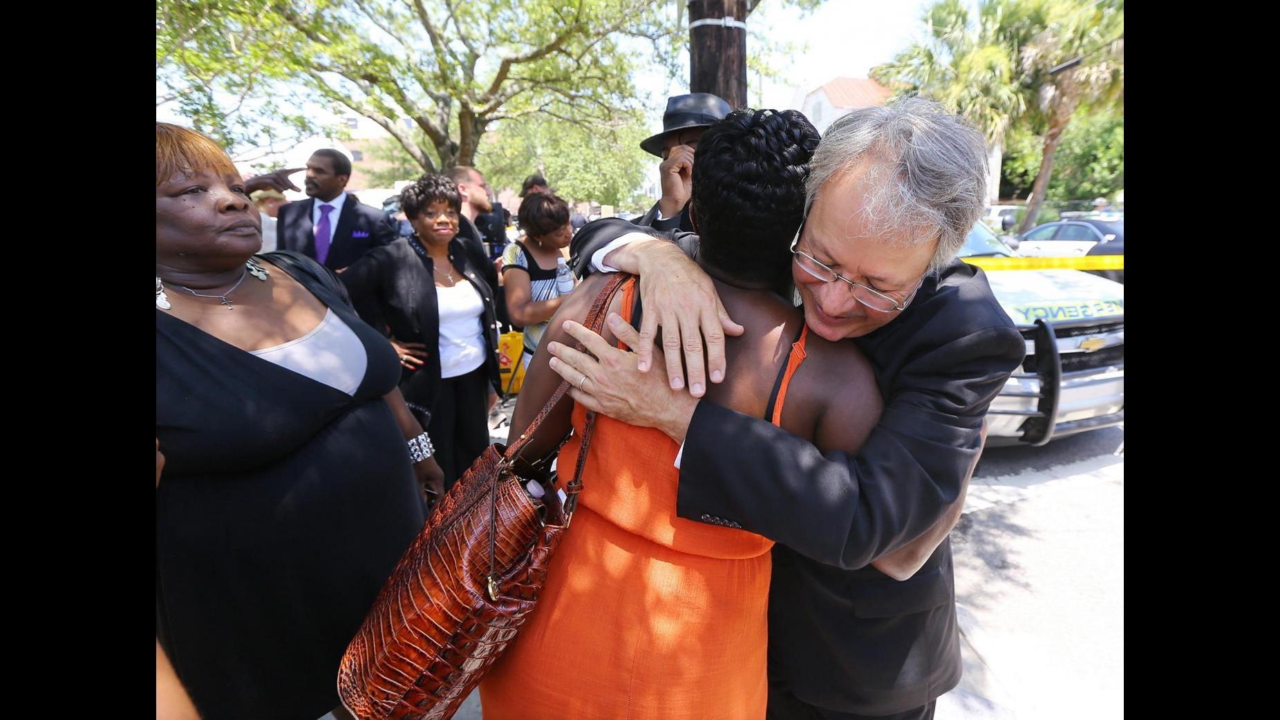 Strage di Charleston,  Roof incriminato per omicidio: voleva una guerra di razza