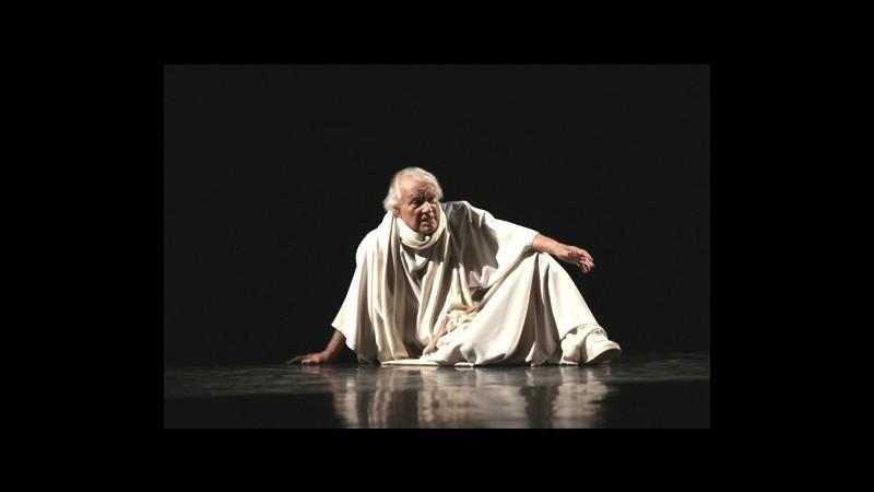 Milano, l'Adriano di Albertazzi in scena al teatro Parenti