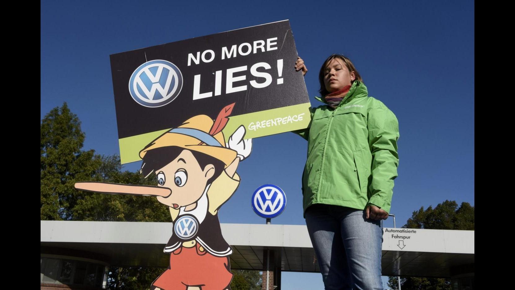 Volkswagen, importatore olandese Pon blocca vendita 4.100 auto