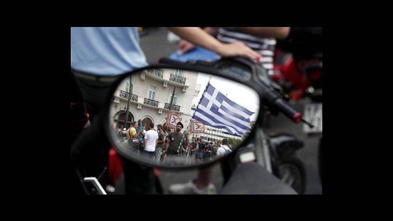 Grecia, dimostranti occupano la sede della Commissione Ue ad Atene