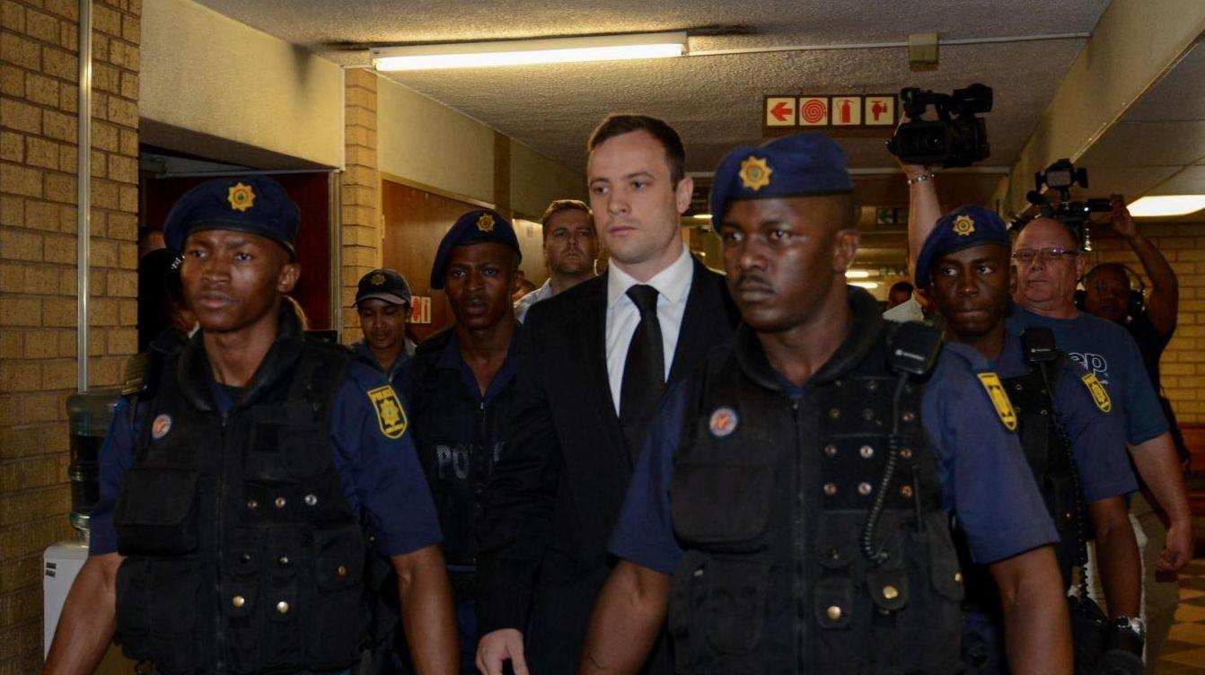 Pistorius, secondo i media del Sudafrica l'atleta sarà rilasciato il 20 ottobre
