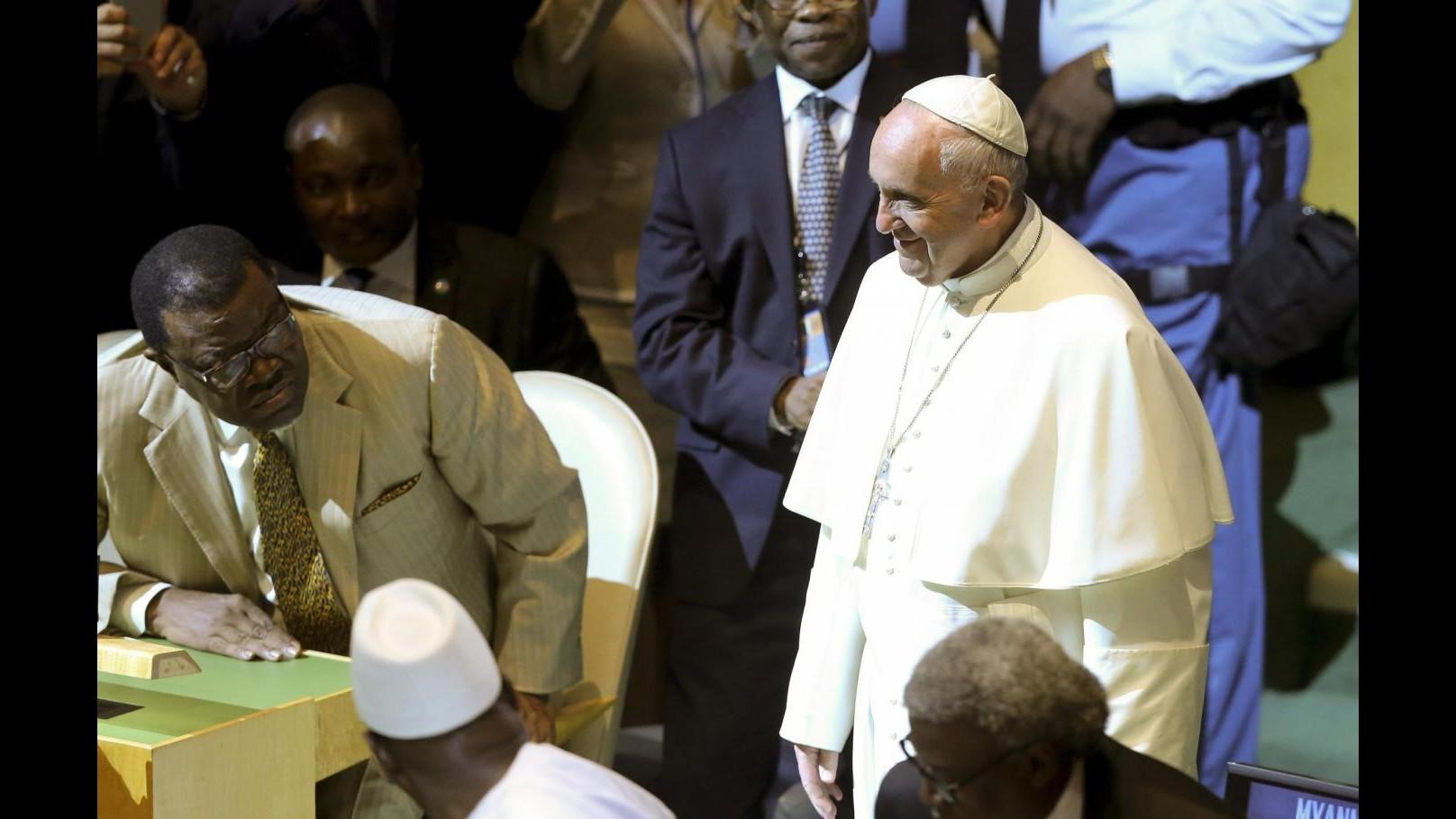 Vaticano, Papa: No a controllori salvezza, amore di Dio è gratuito