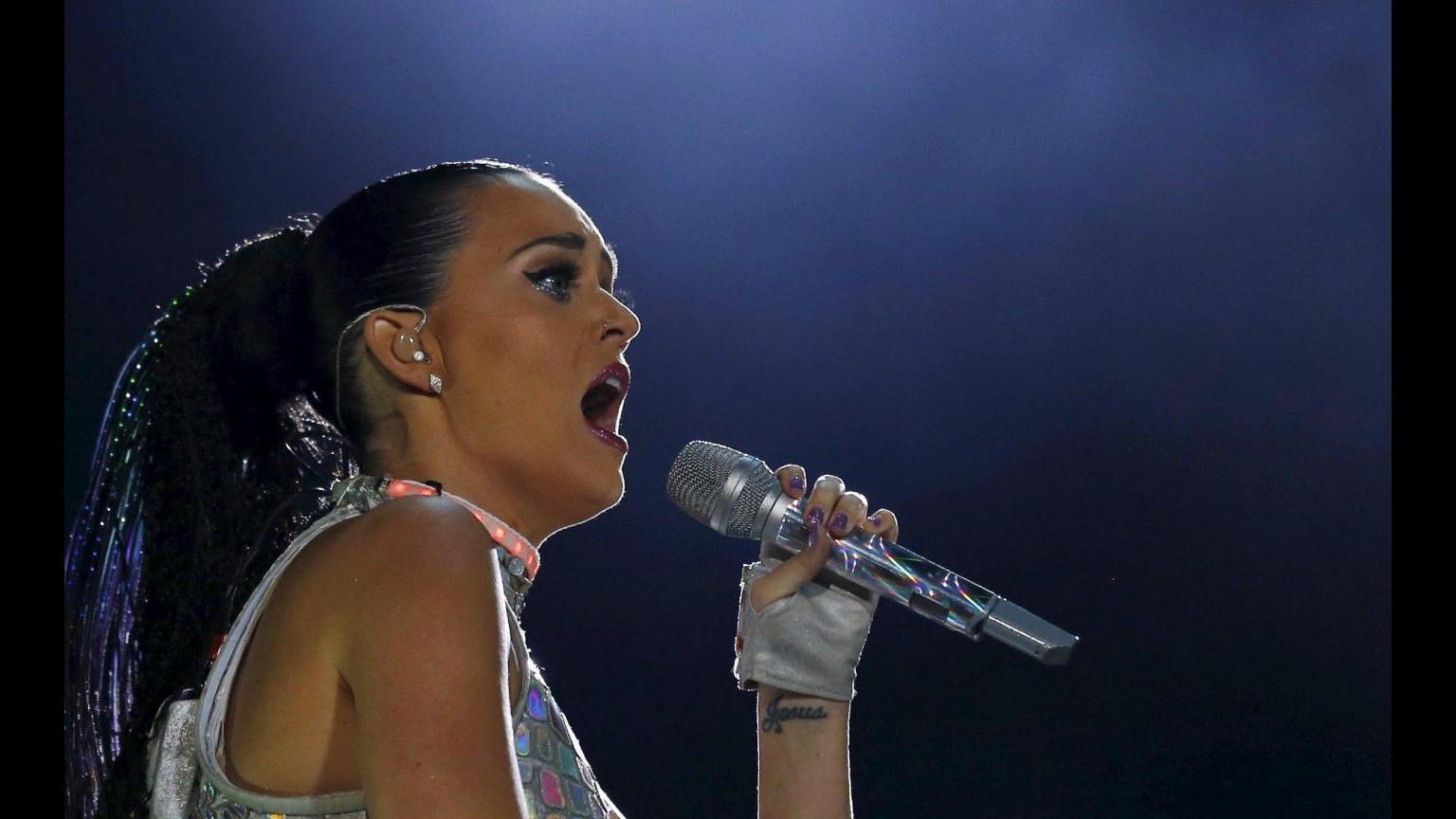 I segreti di Katy Perry: Amare me stessa e profumare di buono