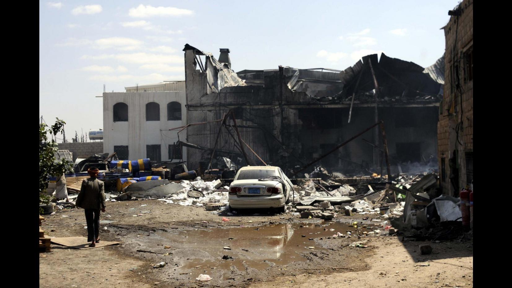 Yemen, raid coalizione anti houti su matrimonio: 26 morti e 40 feriti