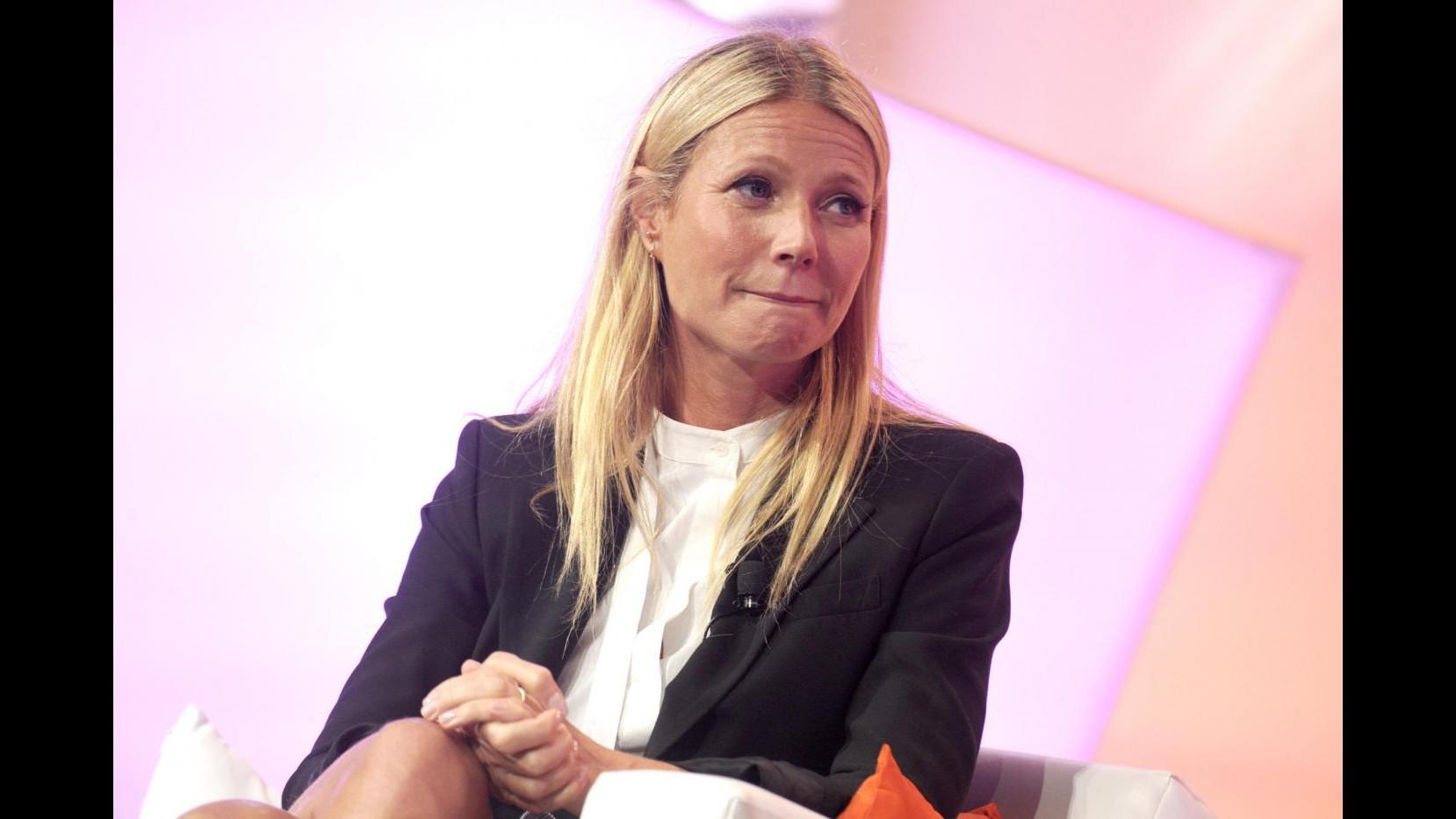 'Il reggiseno provoca il cancro', bufera su Gwyneth