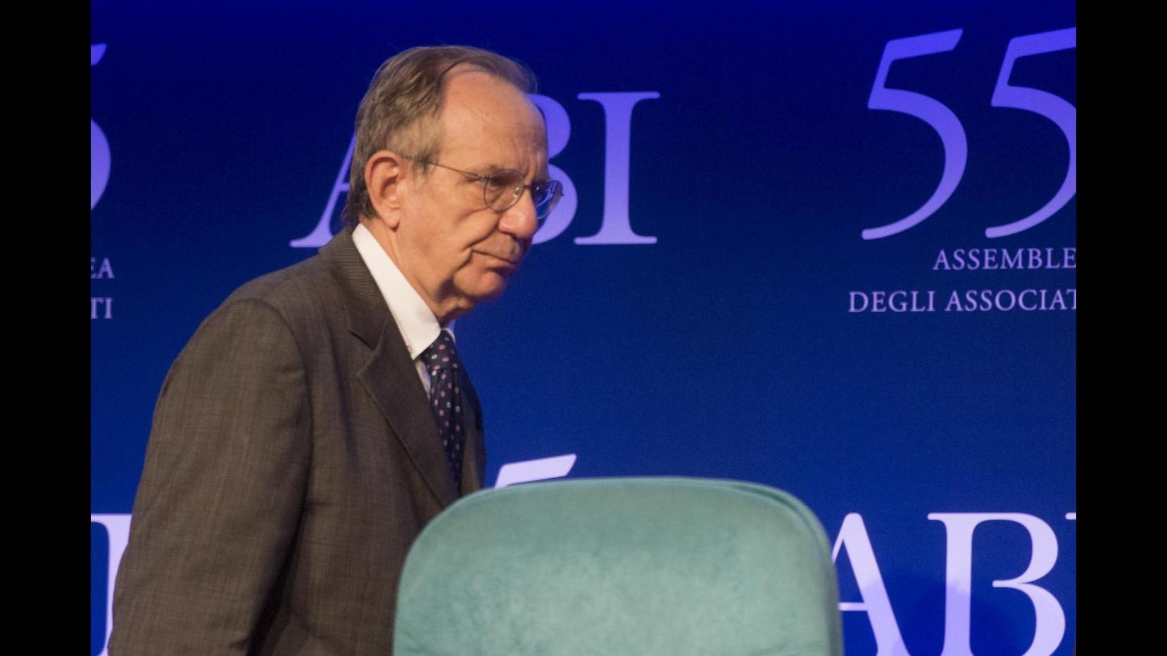 Crisi, Padoan: Crescita si sta rafforzando Ora più investimenti, non solo disciplina