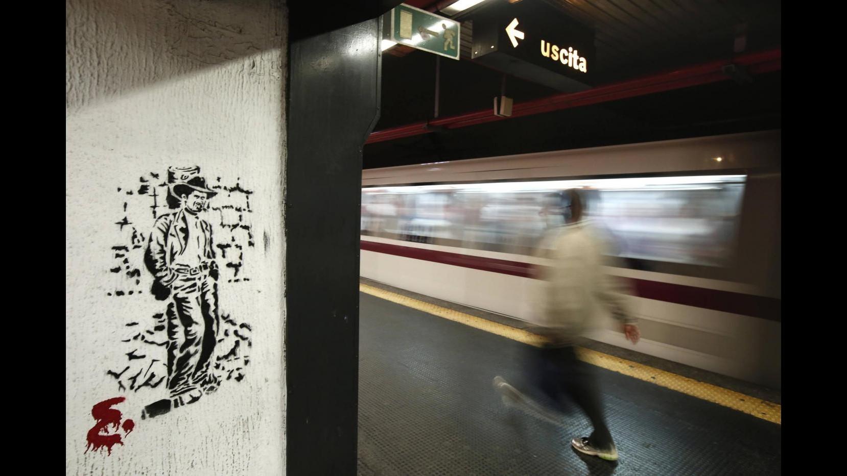 Metro Roma-Lido, altro guasto: malori tra i passeggeri foto