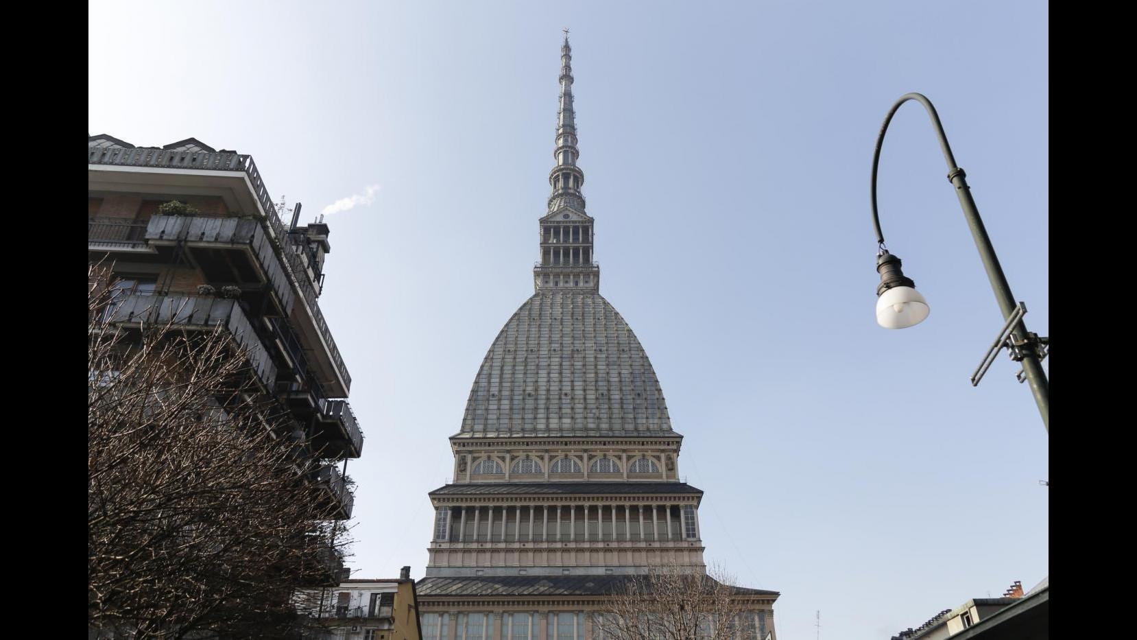 Torino, per 70/o anniversario Onu Mole Antonelliana illuminata di blu