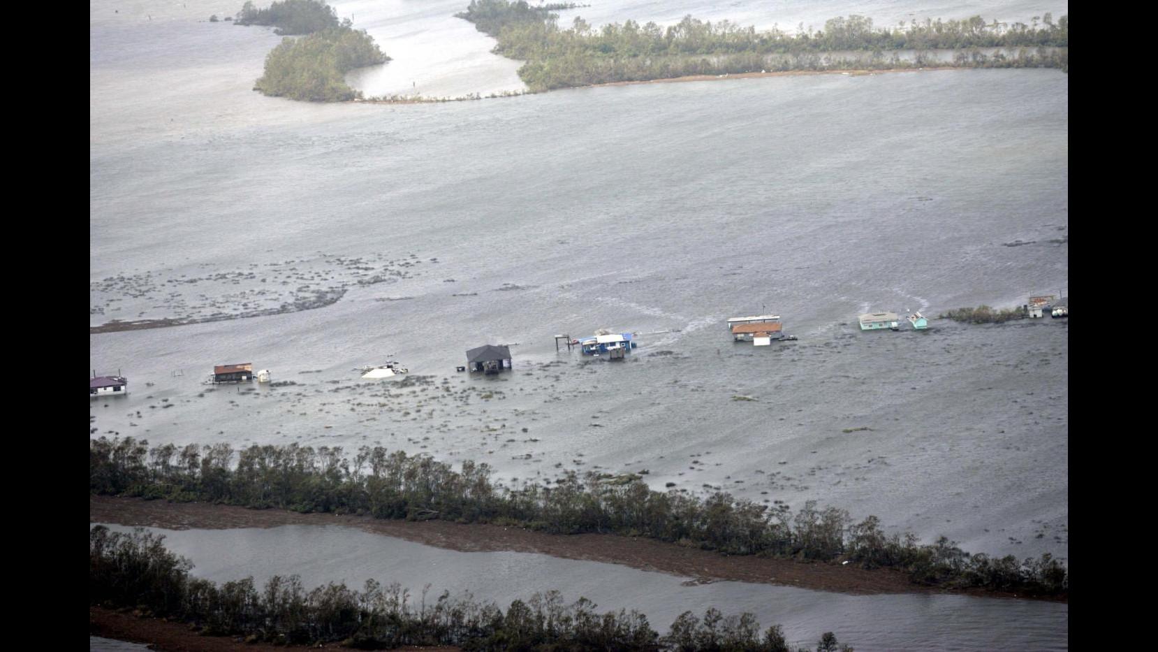 Uragano Patricia raggiunge categoria 5, minaccia costa del Pacifico