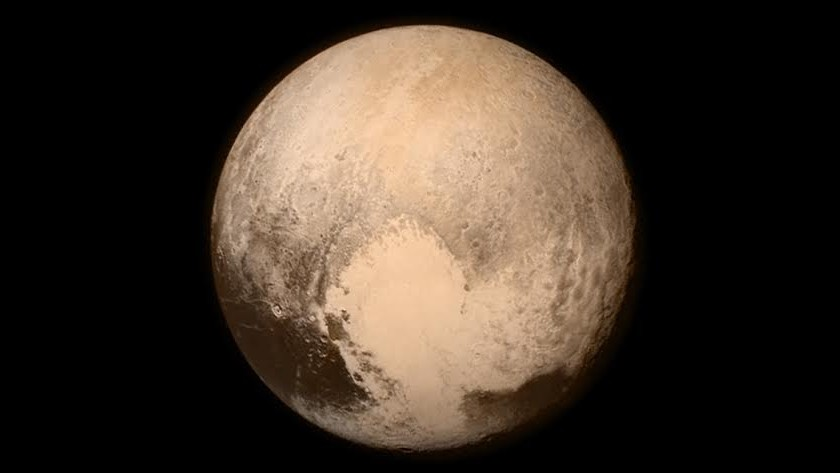 Montagne alte 3500 metri, New Horizons svela Plutone