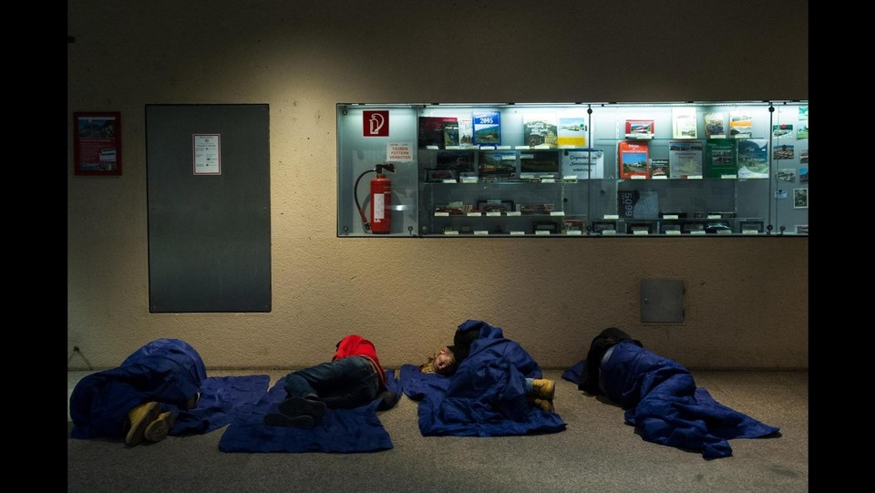 Immigrazione, Istat: Nuovi permessi di soggiorno nel 2014 calati 3%