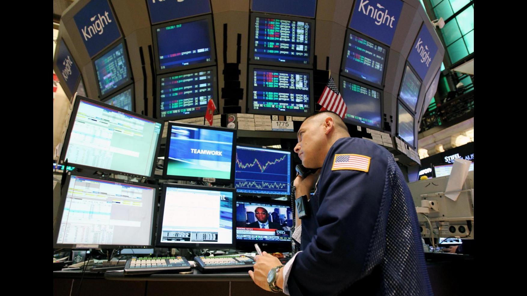 Borsa, Piazza Affari apre in calo: Mib -0.19%