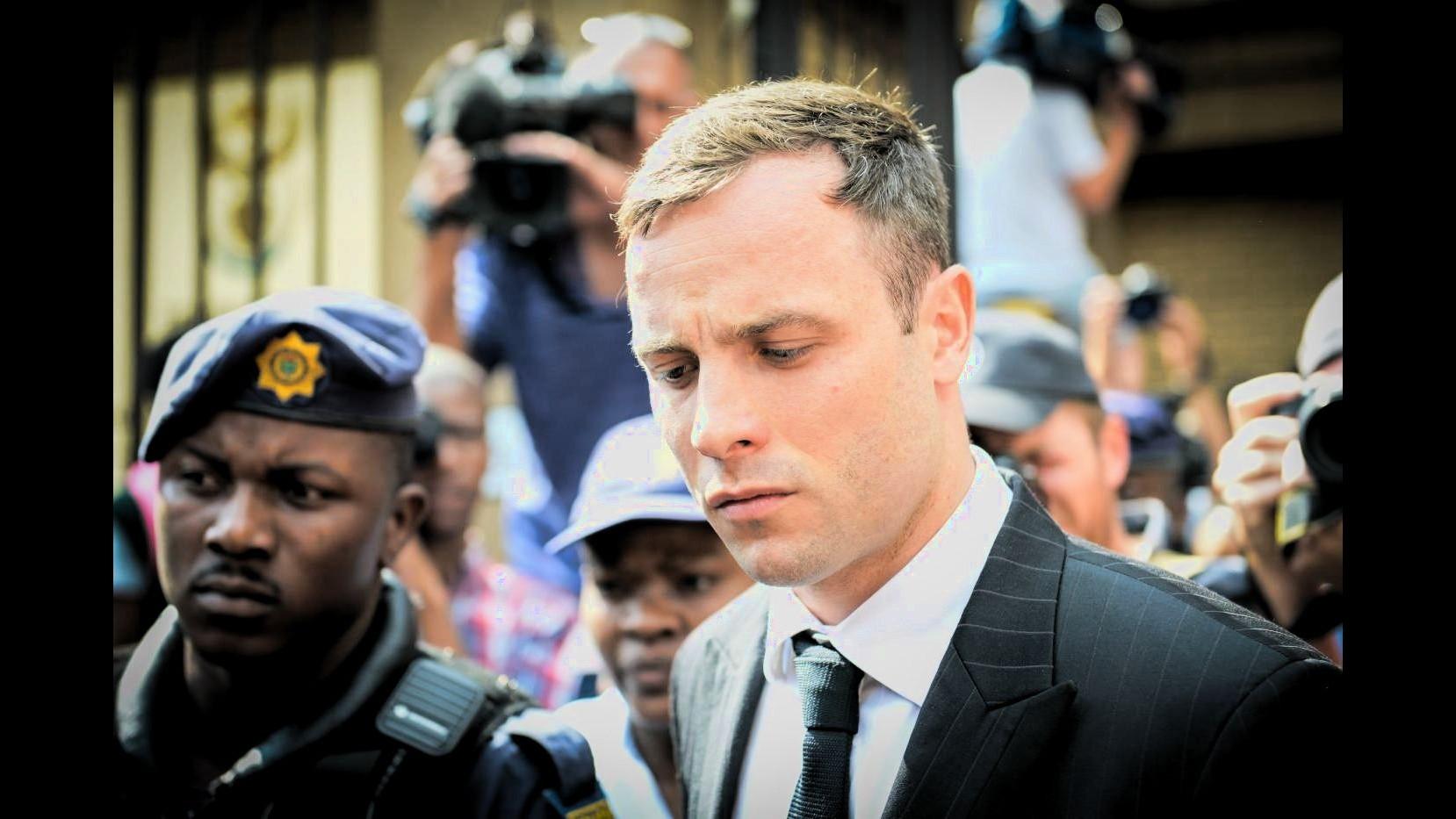 Pistorius fuori dal carcere, famiglia: Felici per il rilascio di Oscar