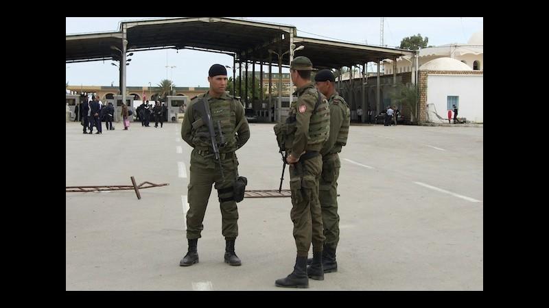 Tripoli avverte Tunisi: Il muro lungo il confine è un atto ostile