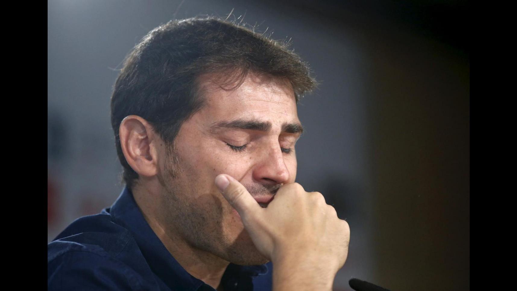 """Iker Casillas saluta in lacrime il Real Madrid:  """"C'est fini"""""""