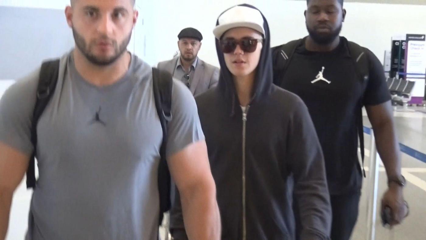Justin Bieber torna al lavoro dopo il break a Bora Bora