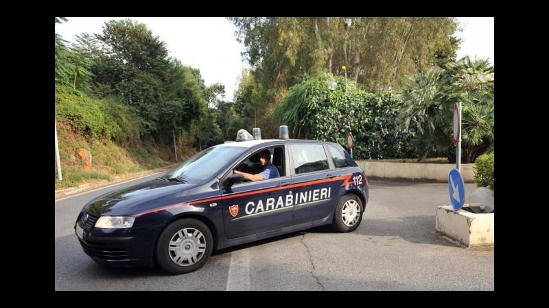 Napoli, rapina al supermercato, spara un colpo di pistola: arrestato