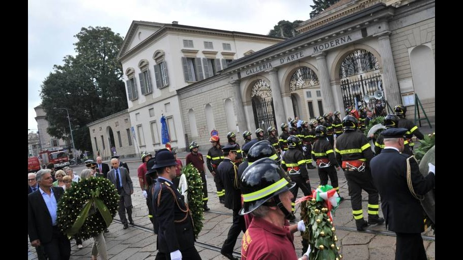 Milano ricorda strage via Palestro, Pisapia: I colpevoli paghino