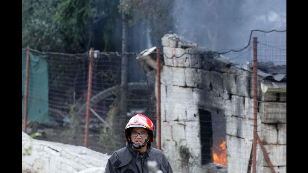 Esplosione alla fabbrica fuochi artificiali di Modugno, il bilancio dei morti sale a 9