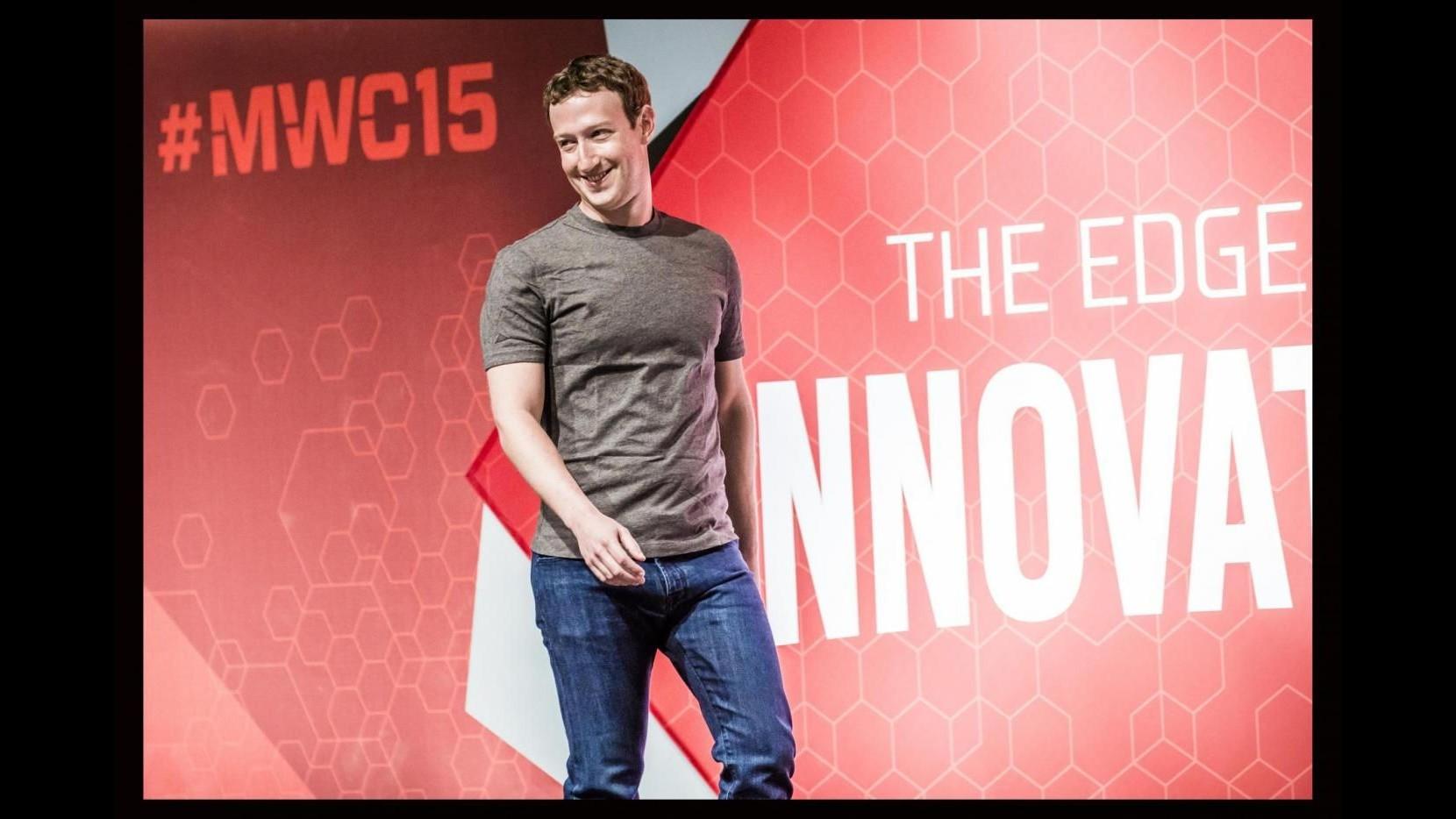 Internet, Microsoft la società più grande, Facebook rende di più