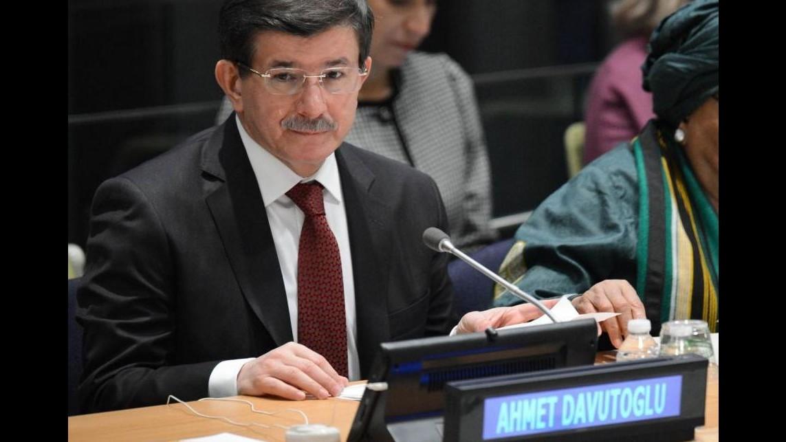 Turchia, Davutoglu: Non abbiamo mai sostenuto i terroristi dell'Isis