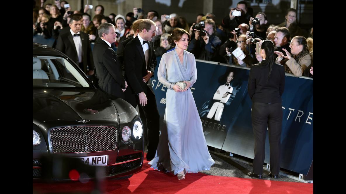 James Bond reale, sul red carpet anche la duchessa Kate