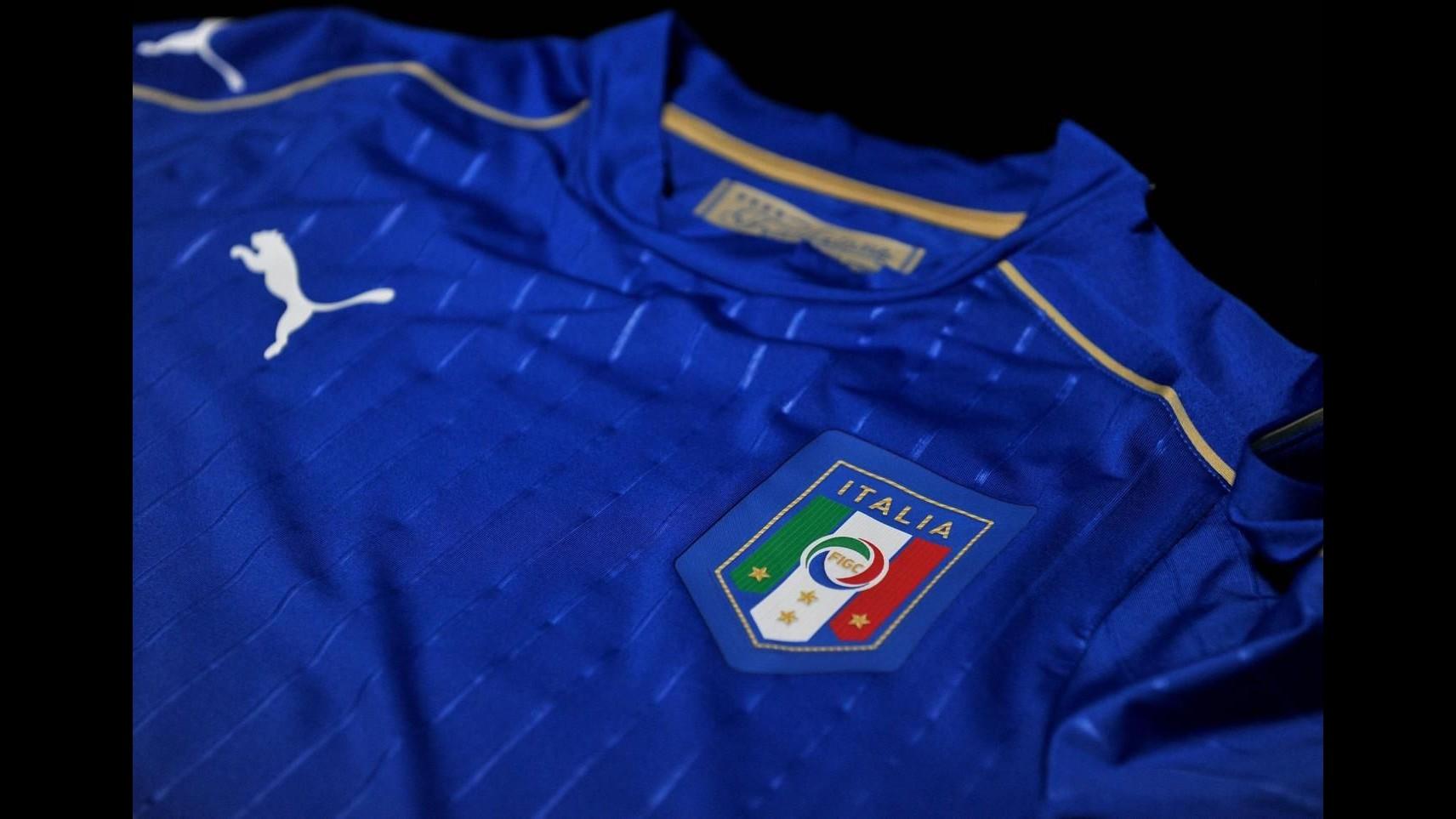 Nazionale: presentata nuova maglia azzurra Puma in vista Europei