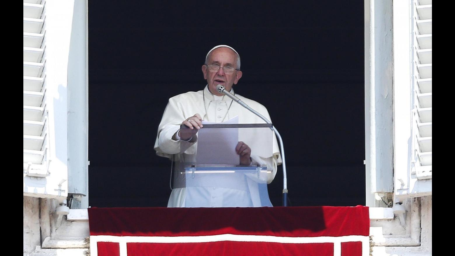 Vaticano, Lombardi: Papa dispiaciuto ma non sconfortato, è sereno