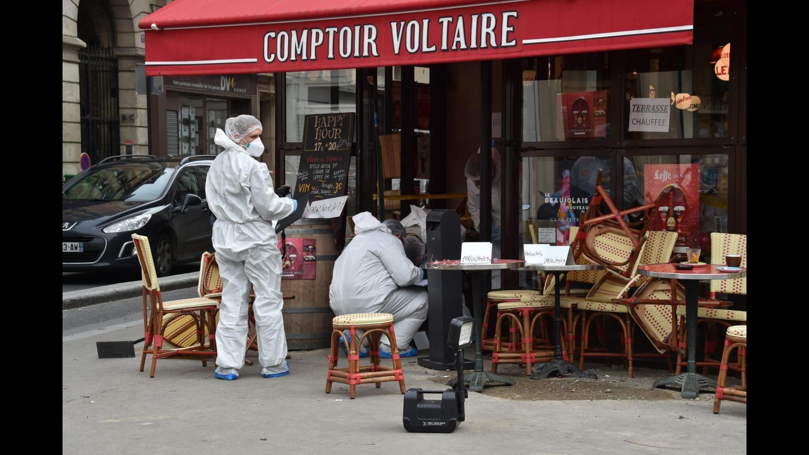 Parigi, infermiere racconta: Ho soccorso un ferito, ma era il kamikaze