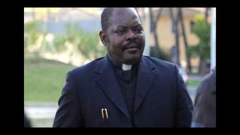 La vita in diretta, Parodi affronta il caso di Padre Graziano