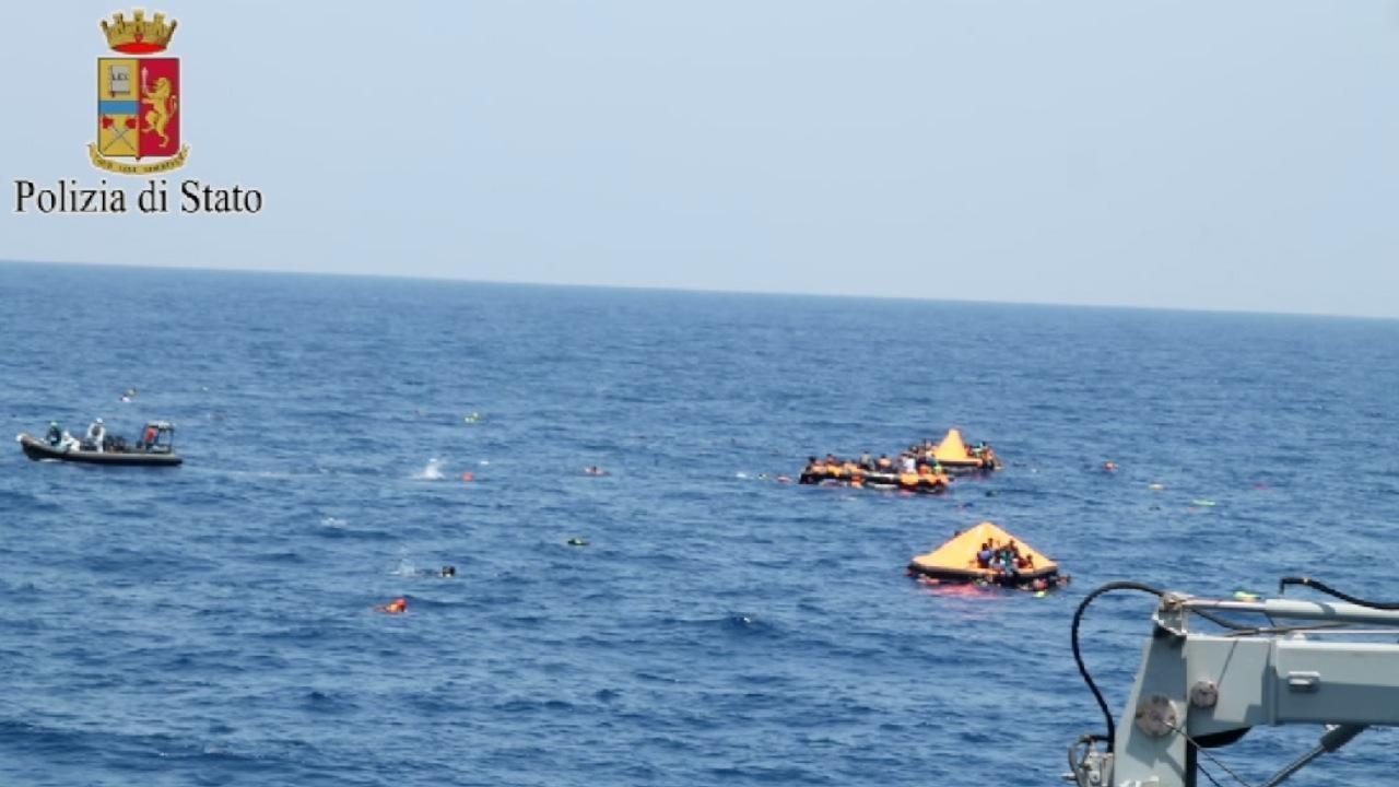 Migranti, naufraga barca diretta alle Canarie: almeno 11 morti