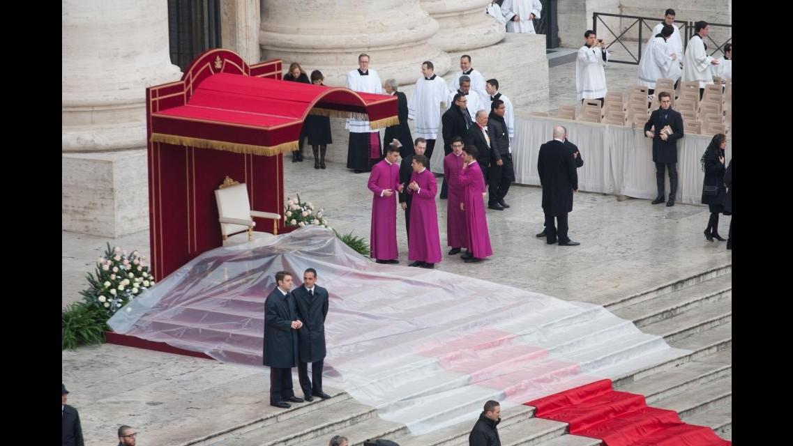Giubileo, al via  l'Anno della Misericordia. Papa Francesco ha aperto la Porta Santa