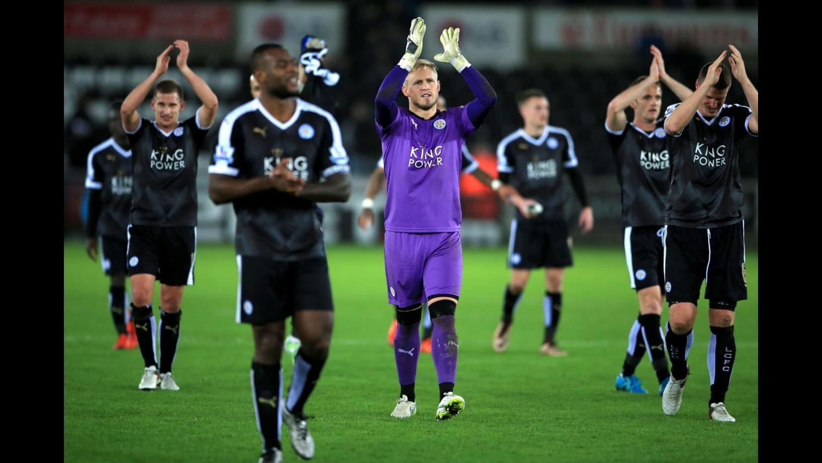 Premier League: Leicester torna in vetta da solo, 3-0 allo Swansea