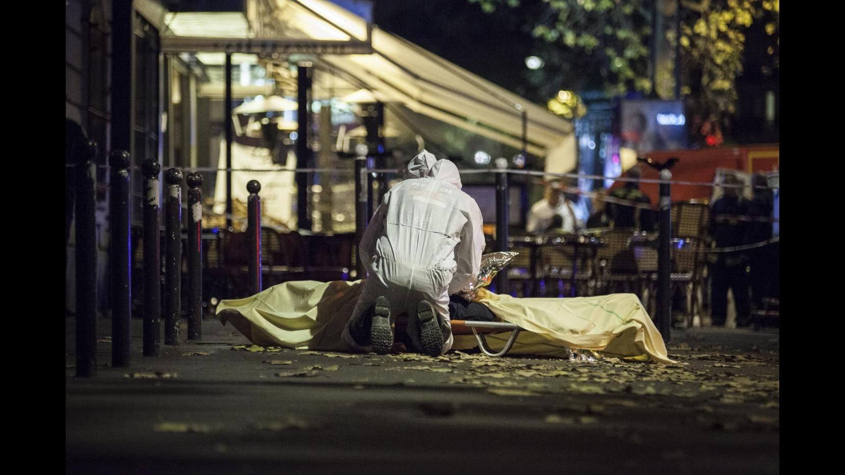 Parigi, Belgio ricerca altri 2 sospetti: avevano documenti falsi