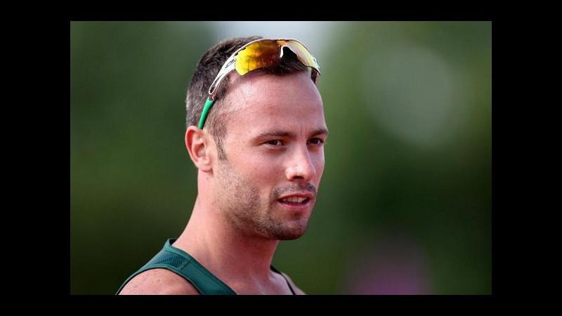 Pistorius, mandato d'arresto per l'atleta dopo condanna omicidio