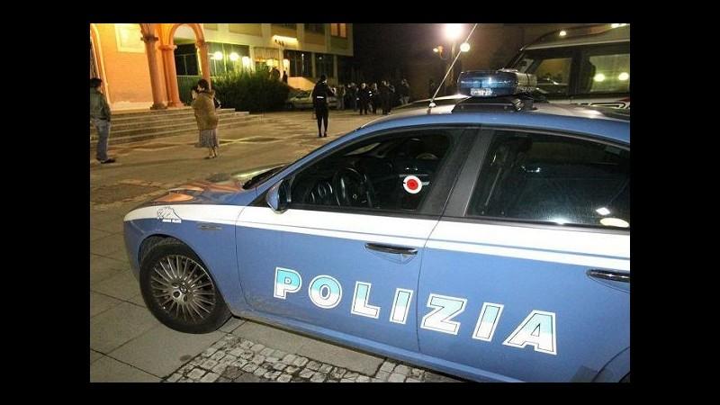 Genova, ruba carta di credito e la usa al centro commerciale: arrestato