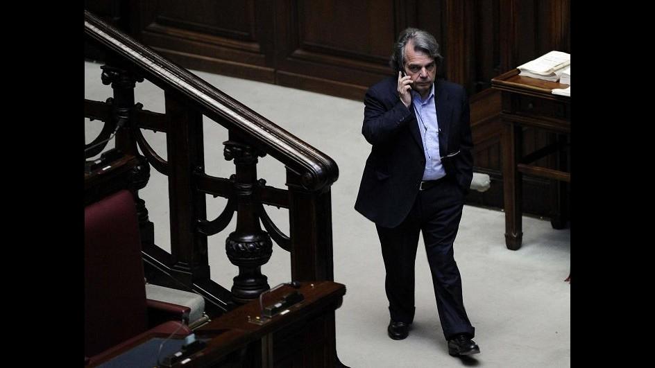 Brunetta a Renzi: Vuole fare anche presidente di Forza Italia?
