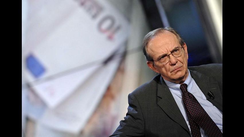 Fisco, Padoan: Da voluntary discolure 4 miliardi di reddito aggiuntivo