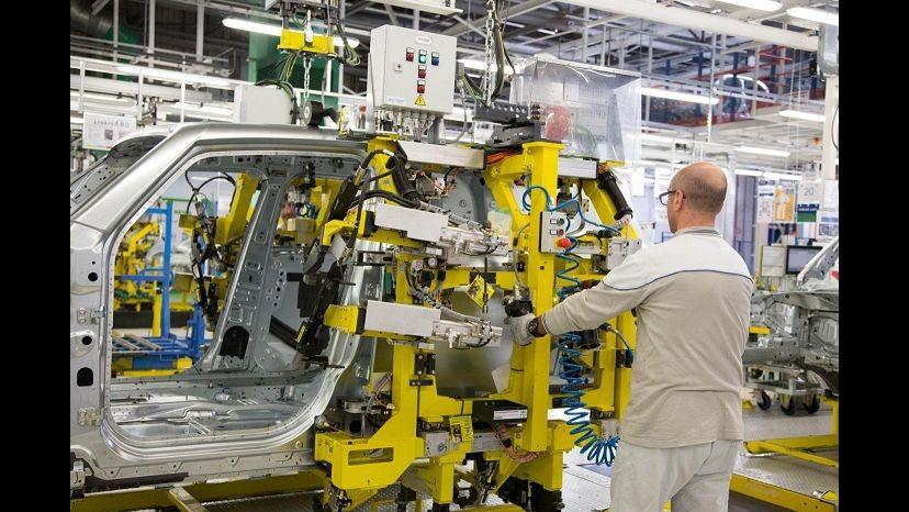 Industria, Istat: Prezzi all'import fermi a ottobre, su anno -5,2%