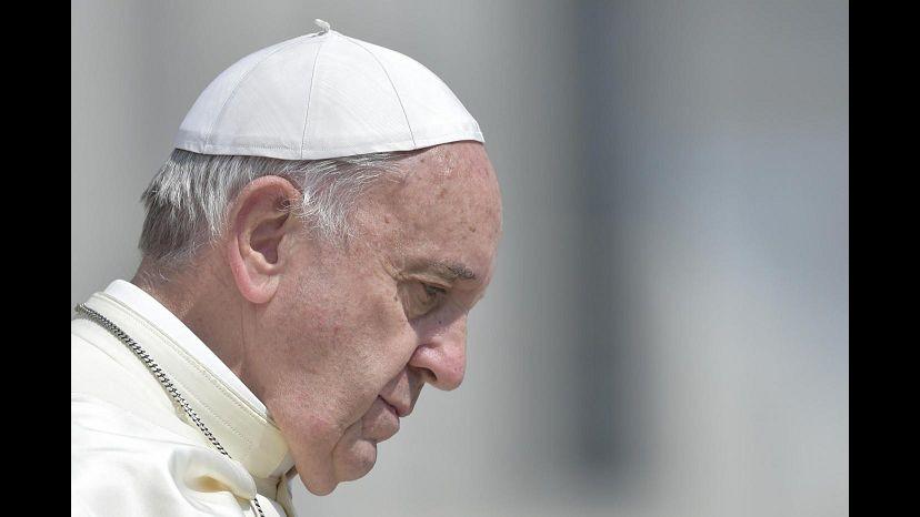 Papa: In corso terza guerra mondiale a pezzi ma non perdere speranza