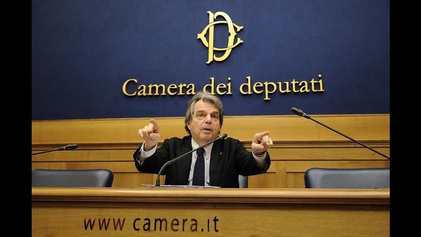 Legge Stabilità, Brunetta: Renzi distrugge economia, intervenga Mattarella