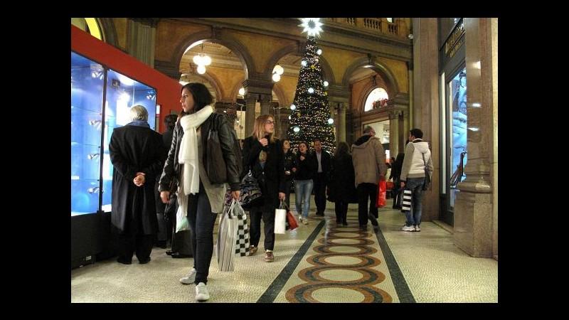 Natale, Confcommercio: Spesa regali verso +5%, boom acquisti online