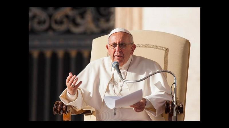 Papa: Dio è innamorato della nostra piccolezza